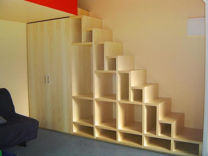 etagere-escalier-en-bois-bibliotheque-en-escaliers-mezzanine-echelles-marches