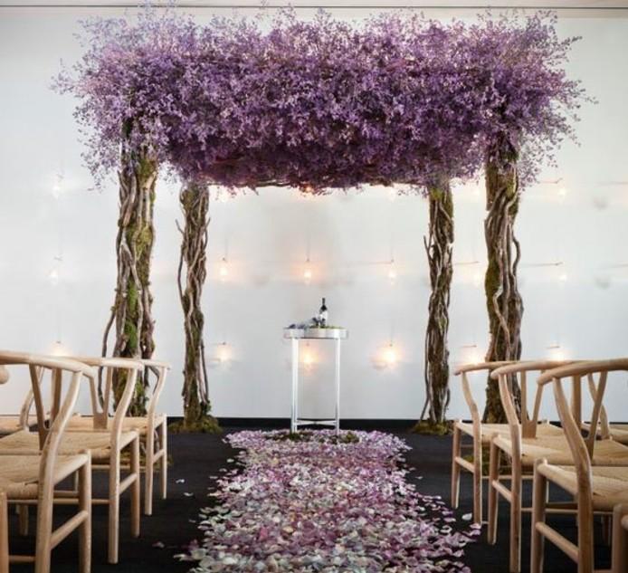 mariage-rustique-décoration-arche-mariage-lilas