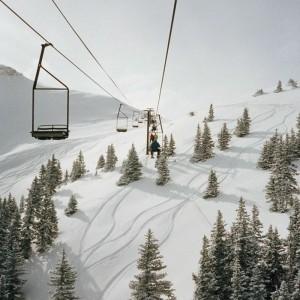 Les secrets de la montagne enneigée - paysages et aventures d'hiver