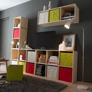 cube de rangement modulable seul ou en nombre il est partout. Black Bedroom Furniture Sets. Home Design Ideas