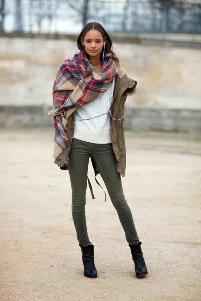 fashion-tendance--tenue-hiver-femme-echarpe-grand