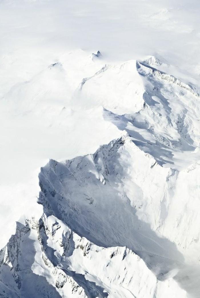 fonds-d-écran-hiver-vue-d'en-haut-sur-les-sommets-d'hiver