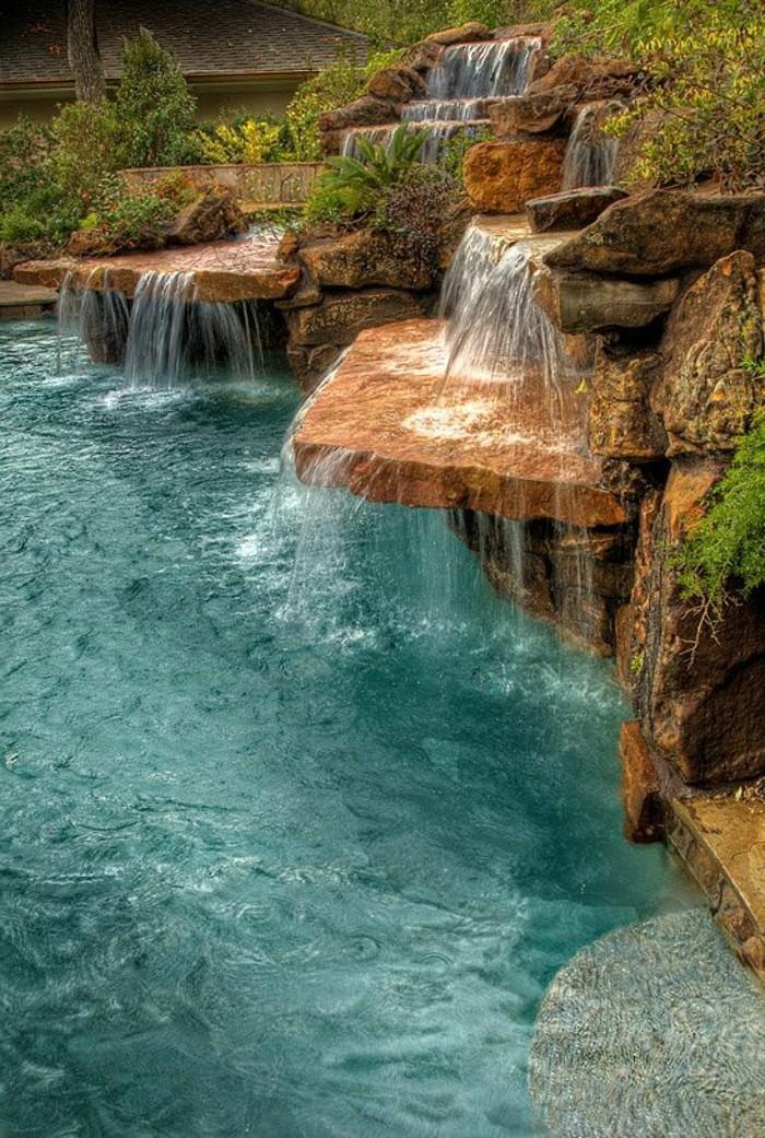 fontaine-piscine-cascade-rurale-en-pierre-air-naturel