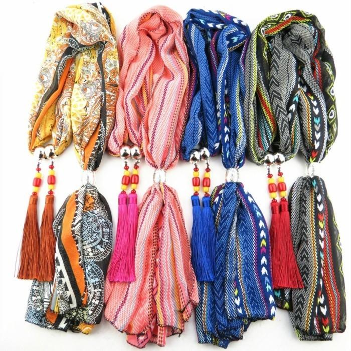foulard-africain-en-couleurs-et-décoration-variées-motifs-géométriques