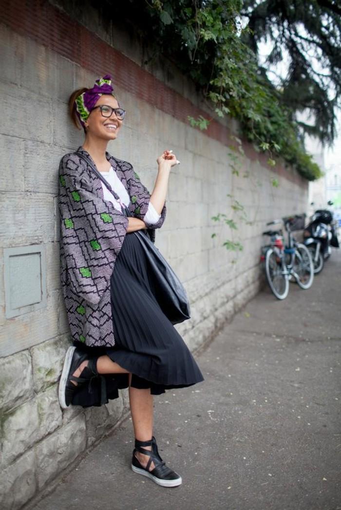 foulard-africain-en-violette-décoration-vert-poncho-gris-avec-figures-vertes