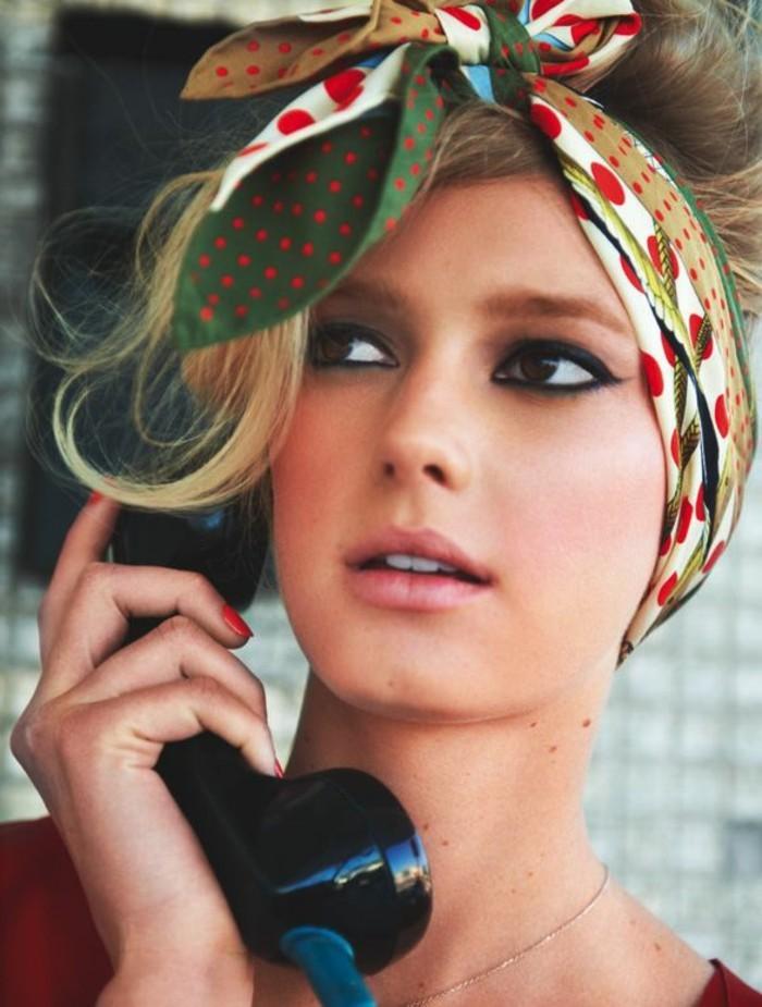 foulard-cheveux-nouage-foulard-a-cote-du-front-chignon-flou