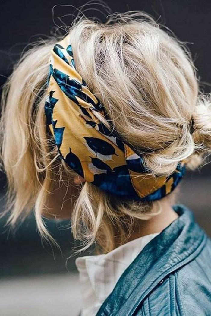 foulard-dans-les-cheveux-coiffure-originale-avec-un-foulard