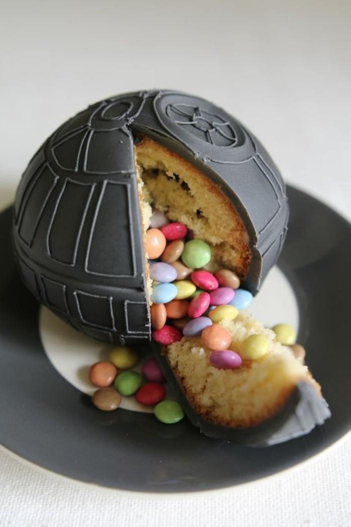 gâteau-pinata-star-wars-idée-insolite-pour-un-anniversaire-à-thème