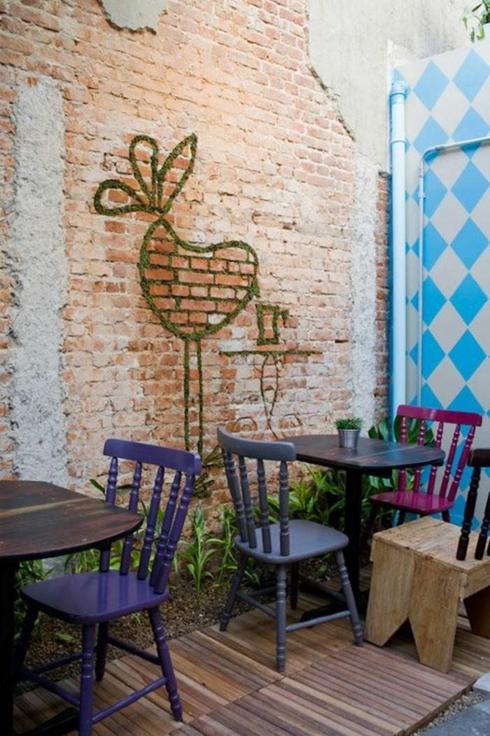 graffiti-sur-mur-en-briques-cafe-interieur-art-urbain