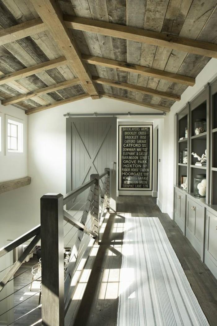 grange-transformée-en-maison-rustique-porte-de-grange-relookée
