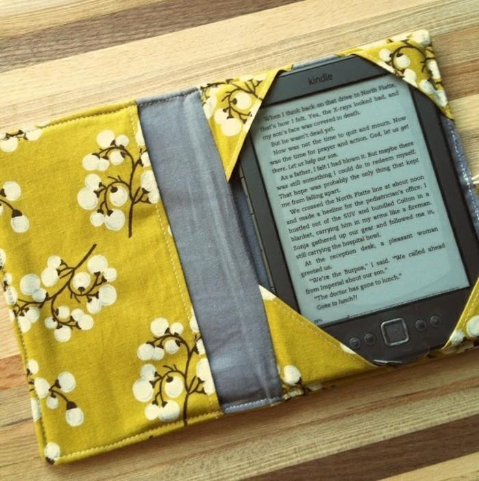 housse-de-tablette-en-tissu-idée-cadeau-meilleure-amie-a-fabriquer-soi-meme-pour-sa-meilleure-amie
