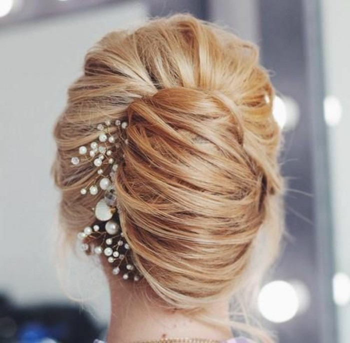 idée-de-coiffure-mariage-comment-faire-un-chignon-banane-