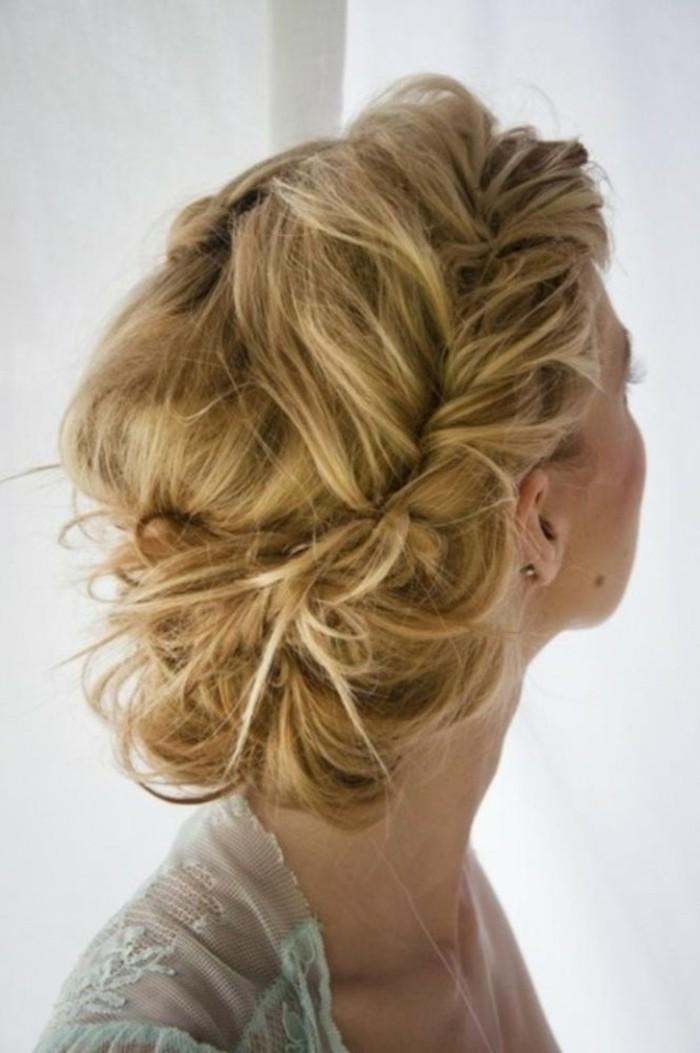 idee-inspiratrice-coiffure-facile-et-rapide-le-chignon-joli-tresse-magnifique