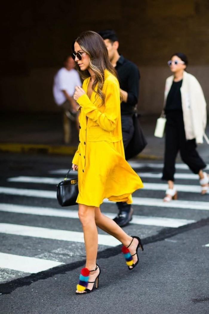 idée-pour-s-habiller-femme-comment-bien-sabiller-comment-s-habiller-femme-jaune-robe