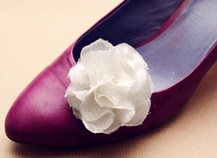 idee-comment-decorer-ses-chaussures-de-fleur-de-tissu-diy-accessoire-mode-femme