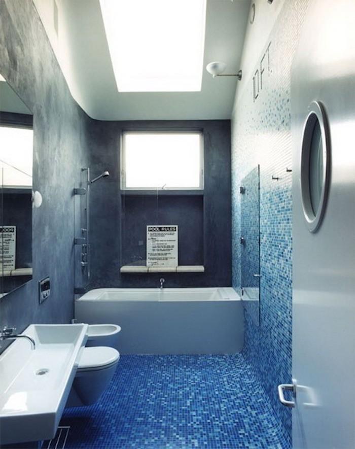 idee déco petite salle de bain faience bleue solutions renovation moderne mer