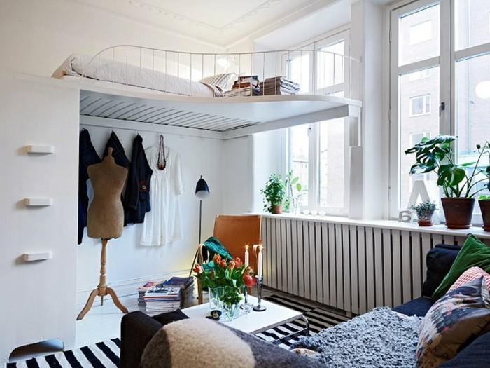 idee-deco-studio-lit-superpose-plante-canape-appartement-confortable