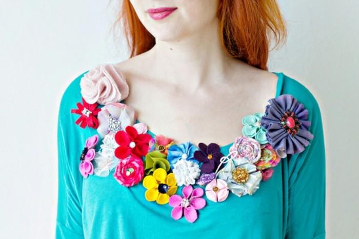 idee-interessante-de-decoration-decolleté-femme-comment-faire-des-fleurs-en-tissu-decoratives