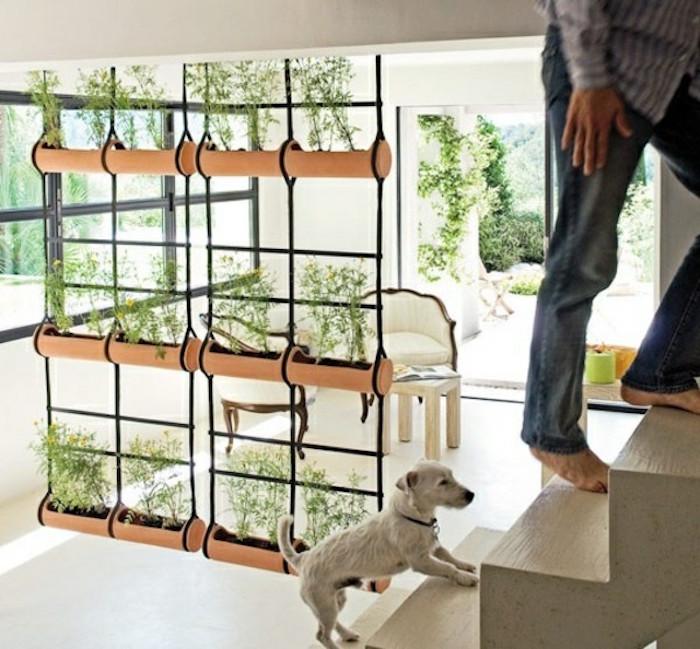 idee-separer-piece-design-rideau-original-pot-de-fleur-jardiniere-suspendue-separation-pieces