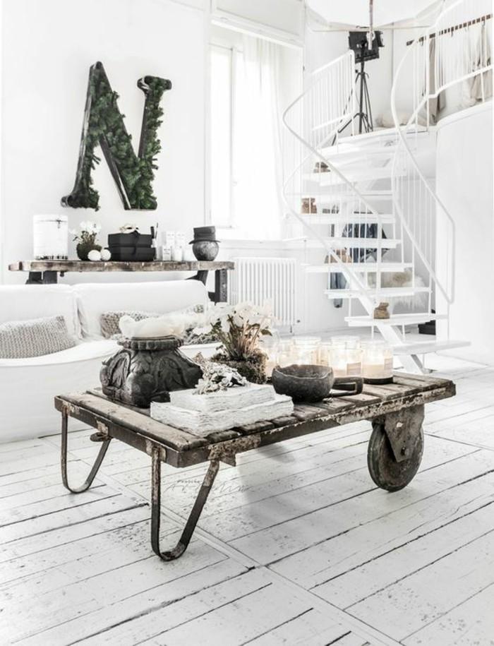 intérieur-blanc-escalier-table-basse-meuble-recup