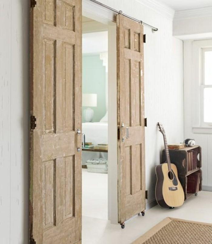 intérieur-blanc-porte-coulissante-double-meuble-récupe