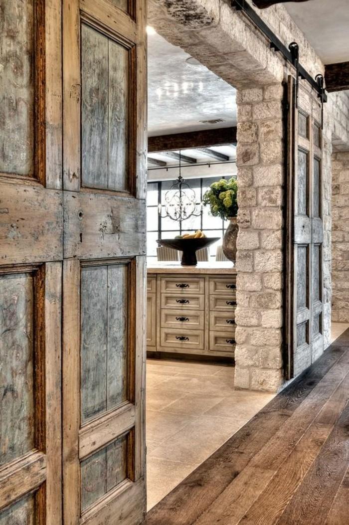intérieur-en-briques-et-en-bois-intérieur-rustique-système-porte-coulissante