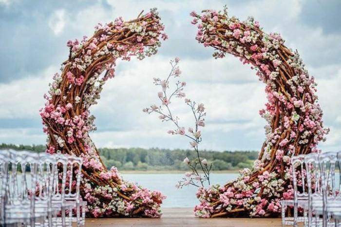 jolie-arche-de-mariage-romantique-déco-insolite