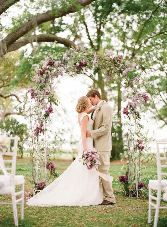 jolie-arche-florale-mariage-jardin-déco-romantique