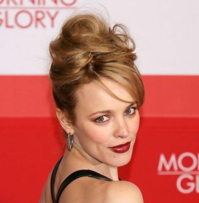 jolie-coiffure-banane-tendance-blond-cuivré