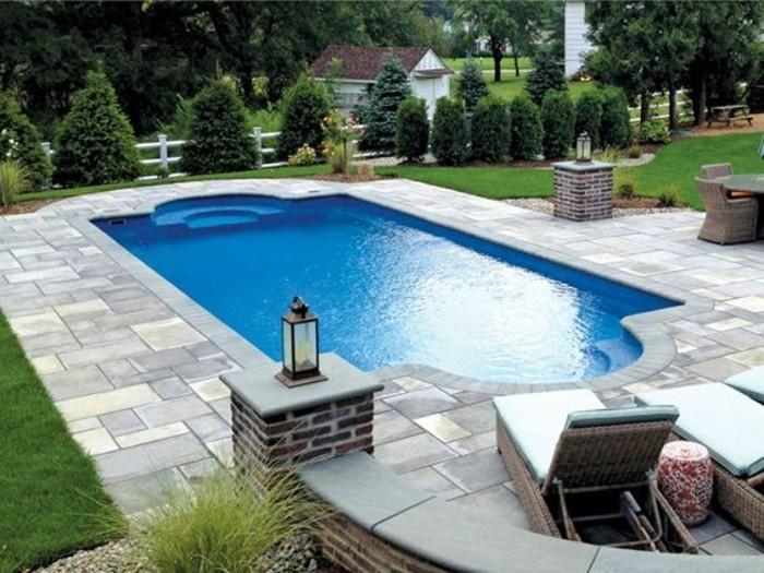 jolie-piscine-contemporaine-de-forme-elegante-piscine-en-coque