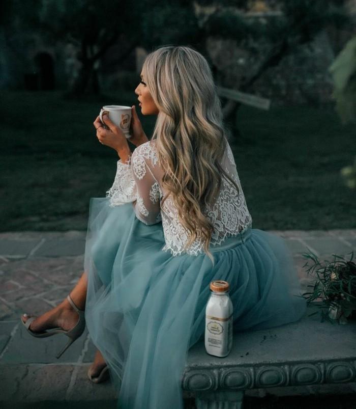 jupe-tutu-bleu-jupe-en-tulle-midi-longue-blouse-blanche