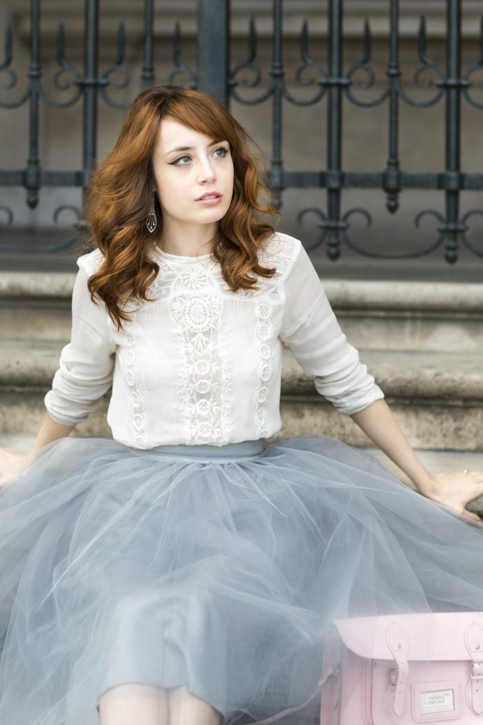 jupe-tutu-femme-jupe-en-tulle-bleu-clair-blouse-blanche
