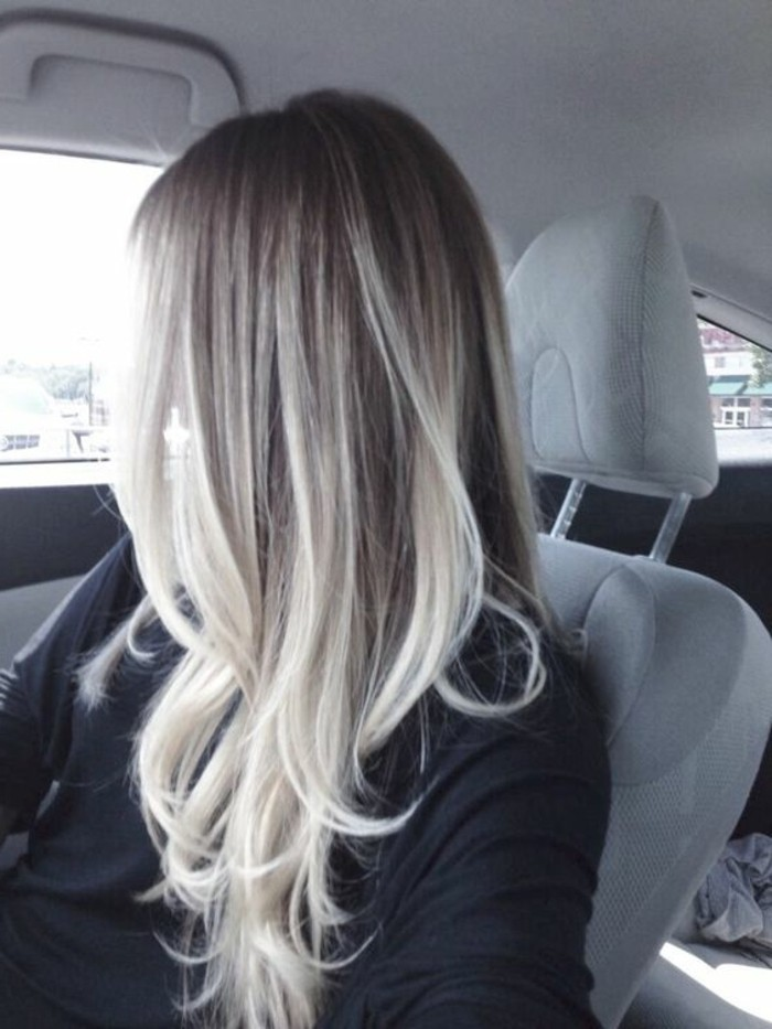 le,balayage,blond,blanc,decolorer,ses,cheveux,longs