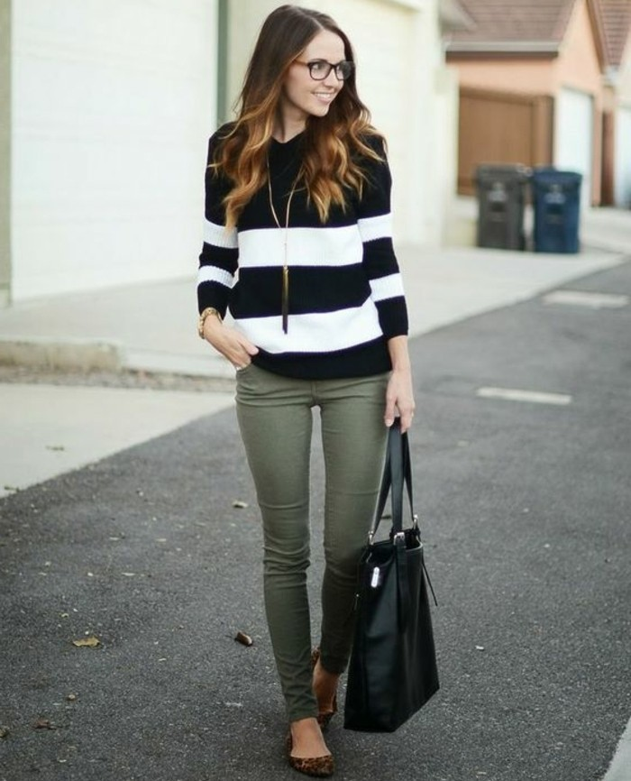 les-couleurs-qui-vont-ensemble-pour-s-habiller-blouse-en-blanc-et-noir-sac-a-main