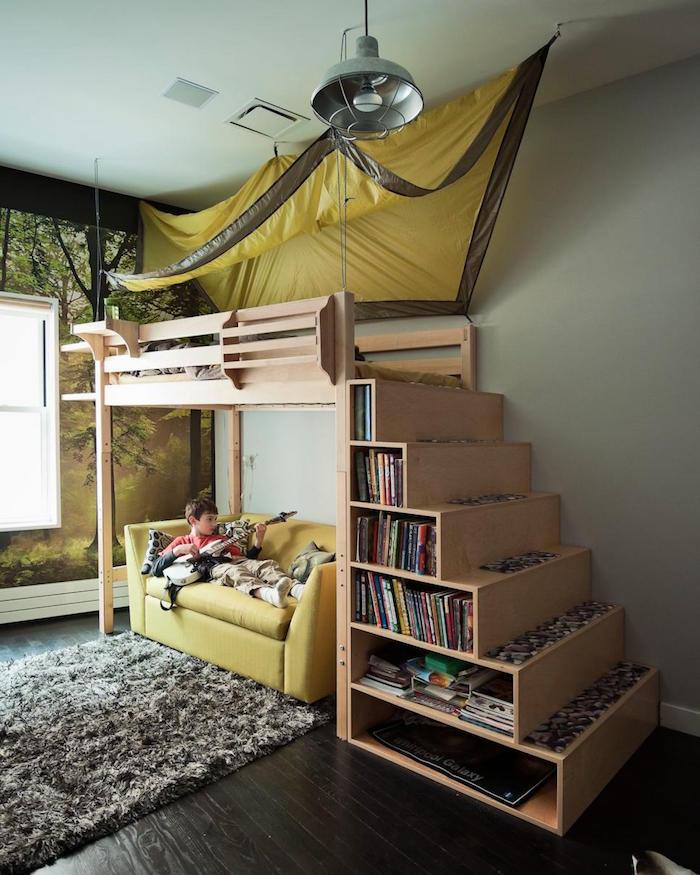 lit-superpose-avec-bibliothque-sous-les-marches-escalier-en-bois-idee-rangement-malin