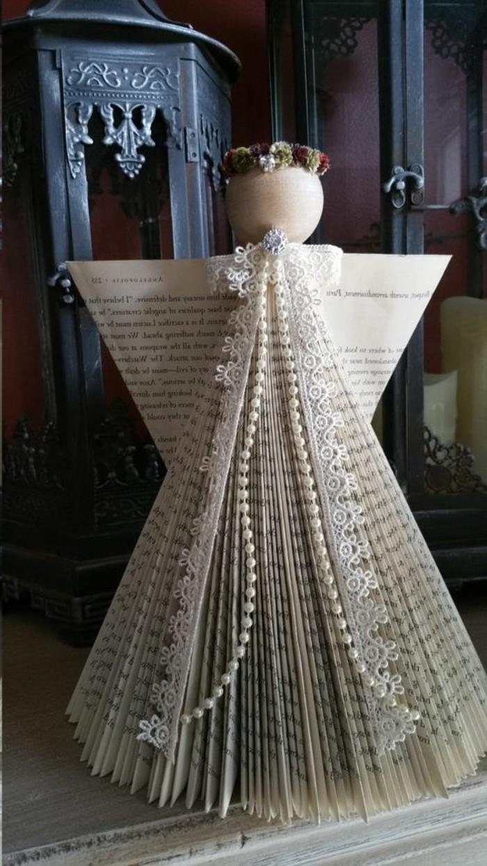 livre-plié-ange-de-livre-plié-former-des-figures-depuis-un-livre