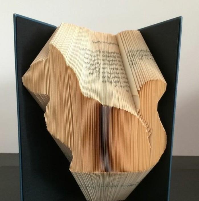 livre-plié-faire-des-animaux-depuis-matériaux-non-traditionnels