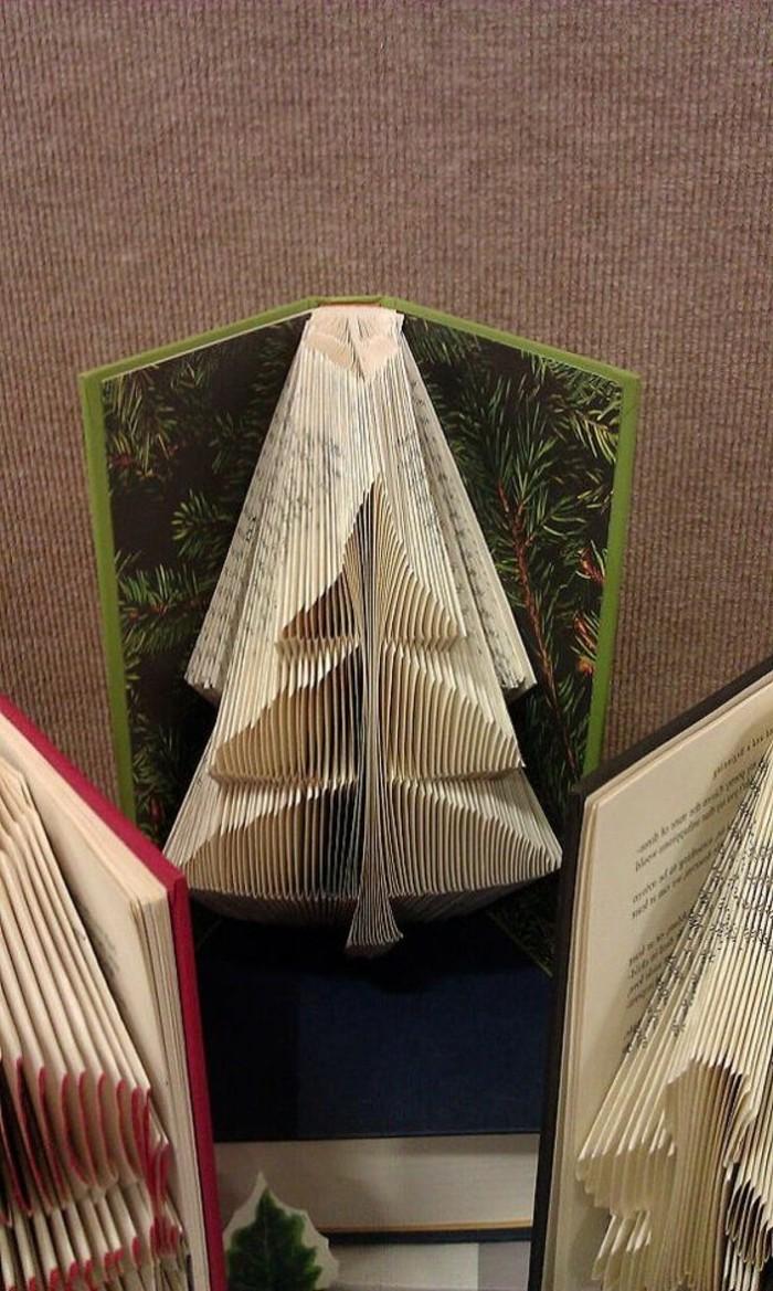 livre-plié-faire-des-sapins-avec-les-pages-des-livres