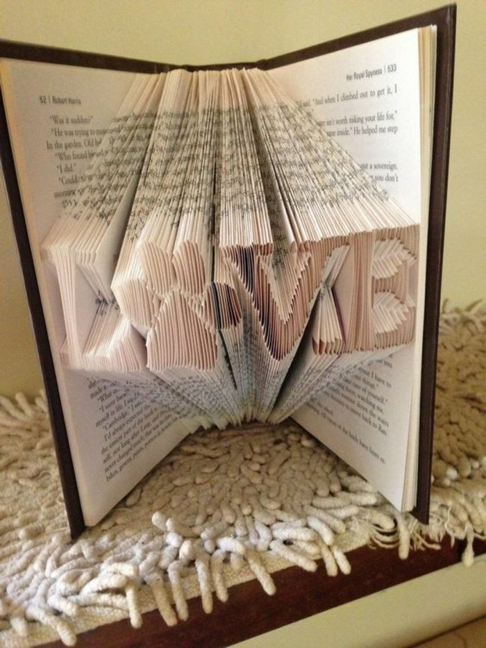 livres-pliés-art-non-traditionnel-oeuvres-inspirantes