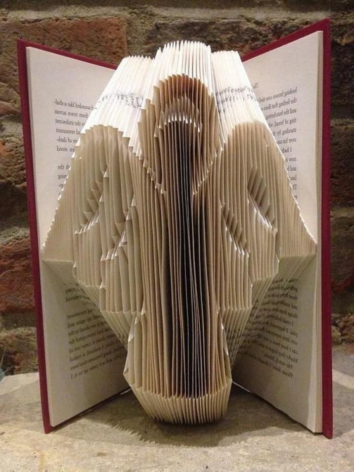 livres-pliés-comment-former-des-figures-avec-des-livres