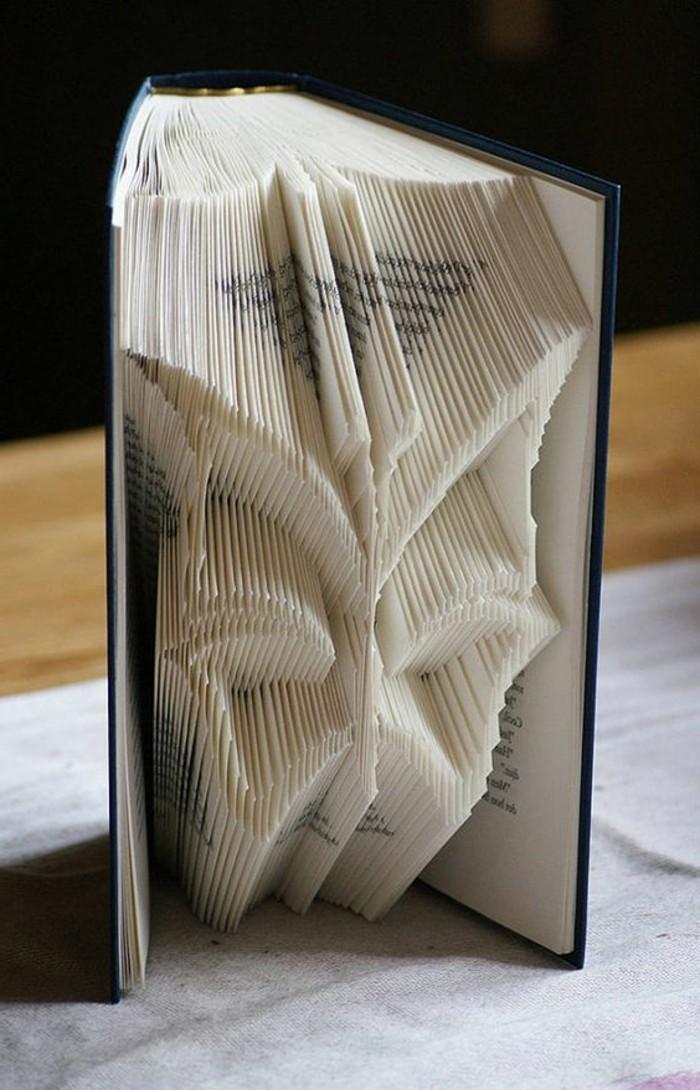 livres-pliés-papillon-créé-à-partir-de-livres