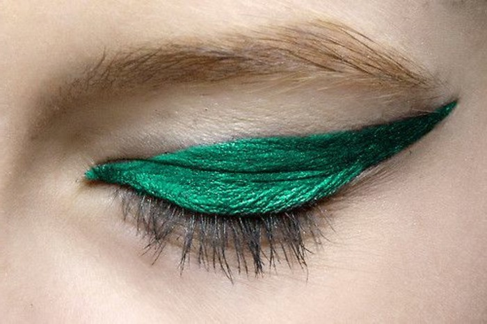 maquillage-oeil-de-chat-vert-se-maquiller-facilement
