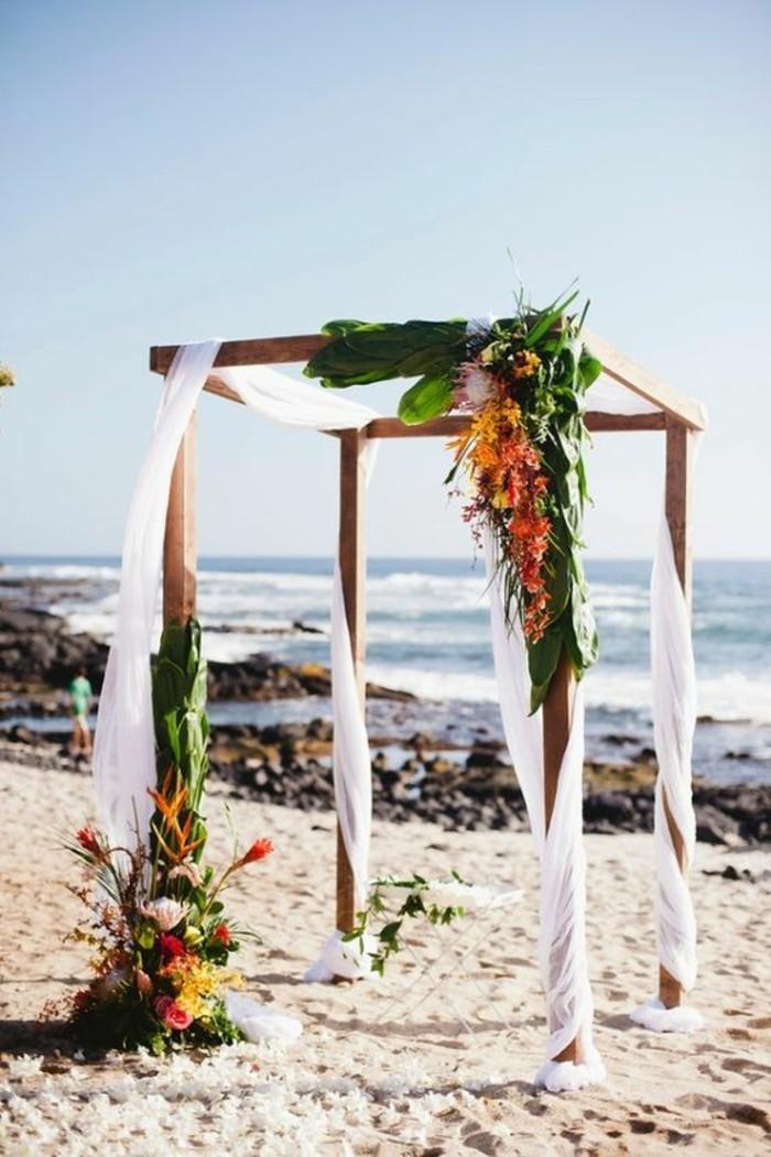 mariage-exotique-au-bord-de-mer-décoration-arche-mariage-exotique