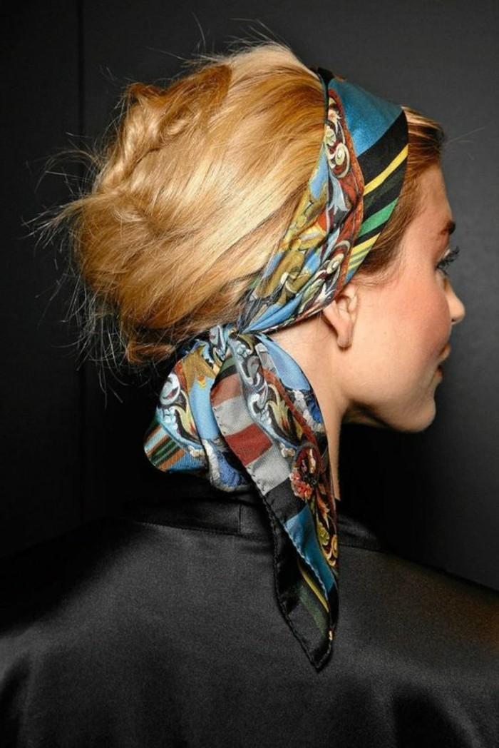 mettre-un-foulard-autour-de-sa-tete-chignon-et-echarpe-cheveux
