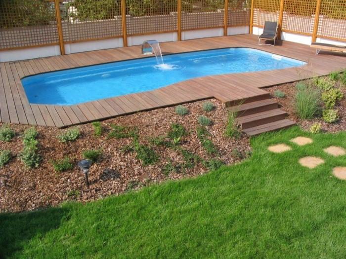 mini-piscine-coque-plage-de-piscine-en-bois