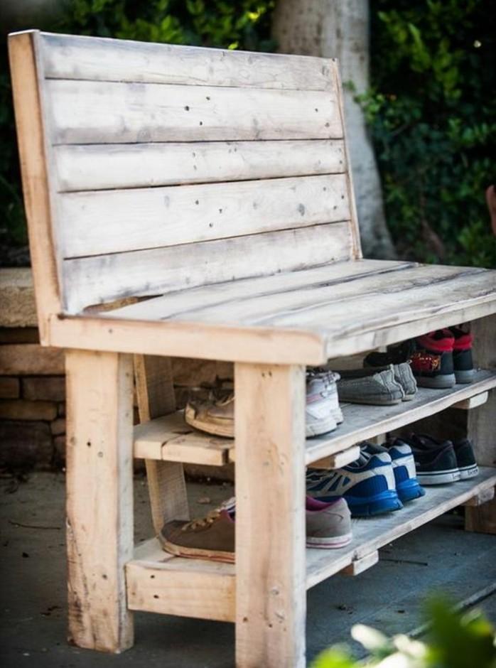 modele-de-banc-palette-avec-un-rangement-pour-vos-chaussures-idée-de-meuble-en-palette-utile