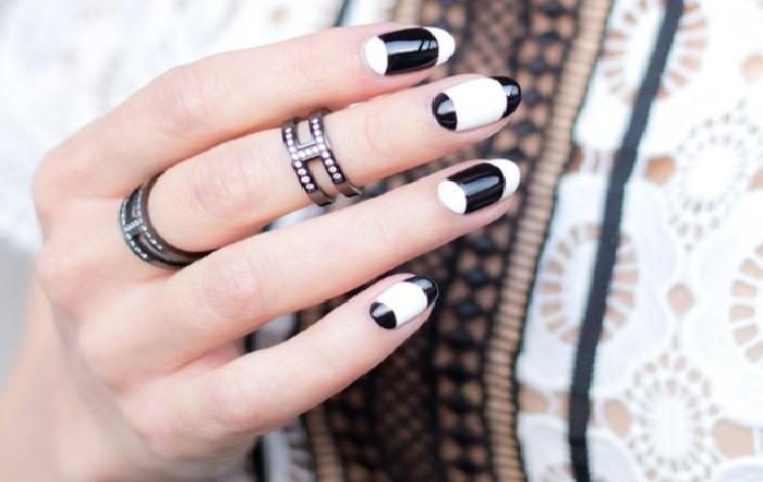 modele-ongle-combinaison-parfaite-blanc-et-noir-pour-les-femmes-elegantes