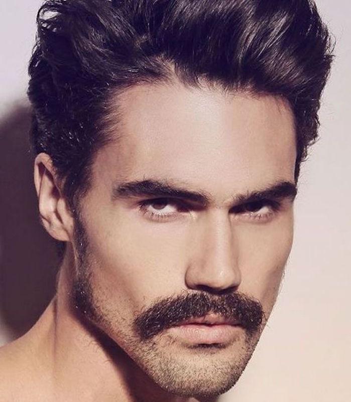 moustache année 80 7à barbe homme tailler couper coupe hipster pompadour