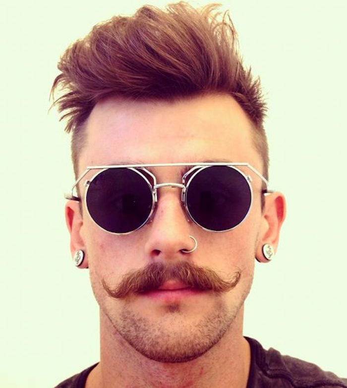 moustache homme style hipster courbes lunettes vintage modele
