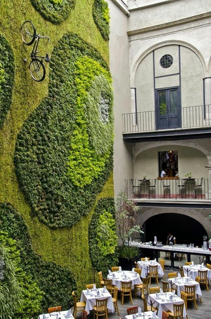 mur-en-mousse-vegetale-interieur-eco-responsable-restaurant